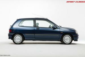 Renault Clio 1.8 16v // 449 Sports Blue // 1993 Photo