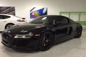 Audi: R8 Coupe 2-Door