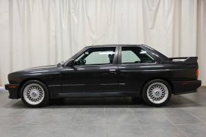 BMW: M3 E30 COUPE