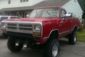 Dodge: Ram 1500 W100