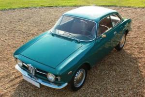 1967 Alfa Romeo Giulia GT 1300 Junior Photo