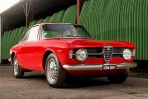 1968 Alfa Romeo Giulia GT1300 Junior 'Scalino' Photo