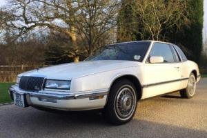 1990 Buick Riviera Photo
