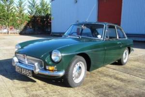 1966 MG B GT Photo
