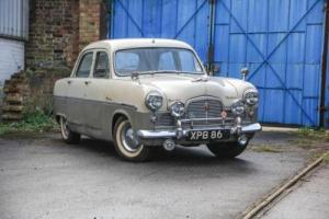 1955 Ford Zephyr Photo