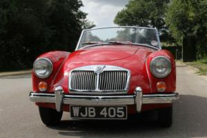 1960 MGA 1600 DELUXE ROADSTER FACTORY DEMONSTRATOR VERY RARE DELUXE