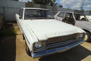 Valiant VE Slant SIX Chrysler Sedan Project Barn Find in NSW