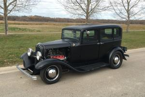 Ford: 1932 Fordor Sedan - Survivor 1950's Hot Rod Sedan