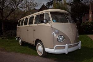 VOLKSWAGEN SPLIT SCREEN KOMBI, BEIGE/CREAM 1975