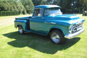 Chevy pick up 1957