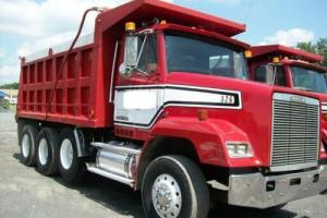 1988 Freightliner FLC11264S Dump Trucks Photo