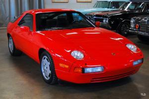 1988 Porsche 928 Photo