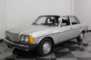 1977 Mercedes-Benz 300-Series