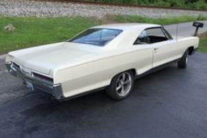 1966 Pontiac Bonneville Photo