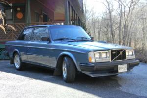 1984 Volvo 240 GLT Photo