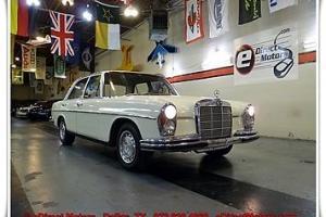 1966 Mercedes-Benz 200-Series 250SE