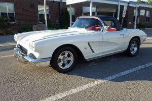 Chevrolet: Corvette Base Convertible 2-Door