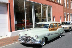 1952 Buick Super Estate Wagon Model 59 4 Door Station Wagon 6 Passenger