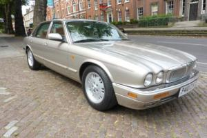 JAGUAR XJ6 SOVEREIGN 4.0 Automatic X300 (1996) Three Owners. Low mileage.