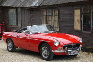 MGB ROADSTER - FULLY RESTORED CAR WITH VARIOUS UPGRADES !!