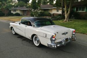 1955 Buick Riviera Photo