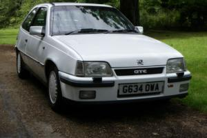 VAUXHALL ASTRA GTE 1990, FITTED WITH A 2.5 V6 VECTRA ENGINE Photo