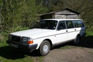 1993 VOLVO 240 SE ESTATE AUTO WHITE MINT TOW BAR Photo