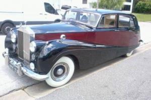 1957 Rolls-Royce SILVER WRAITH LIMOUSINE
