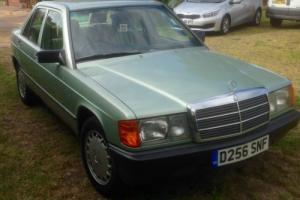 Mercedes-Benz E190 1987