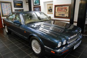 Jaguar XJ Series 4.0 ( LWB ) auto Sovereign (LWB)