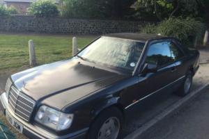 1994 MERCEDES E220 AUTO BLACK