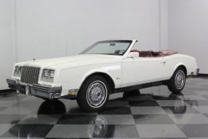 1983 Buick Riviera Photo