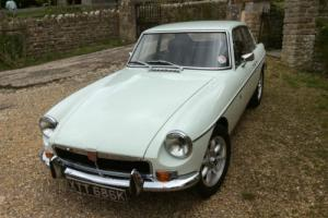 MGB GT 1972, Finished in glacier white