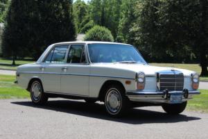 1972 Mercedes-Benz 200-Series 220 D