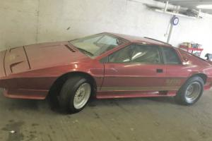 1983 LOTUS ESPRIT TURBO RED