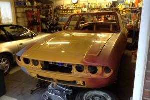 1972 MK1 TRIUMPH STAG VERY GOOD BODY SHELL COMPLETE WITH ENGINES & GEARBOXES Photo
