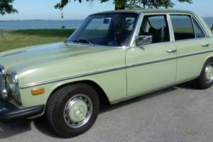 1976 Mercedes-Benz 300-Series