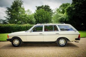 1984 MERCEDES 200T 200TE W123 ESTATE, 32 YEAR OLD CLASSIC ESTATE CAR,