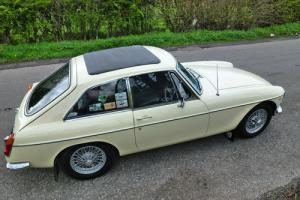 1966 MG B GT