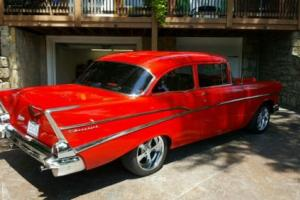 1957 Chevrolet Bel Air/150/210 Sedan 210