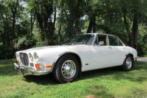 1971 Jaguar XJ6 Photo
