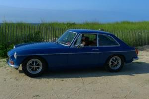 1974 MG MGB GT Photo