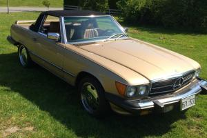 Mercedes-Benz: SL-Class 560SL Photo