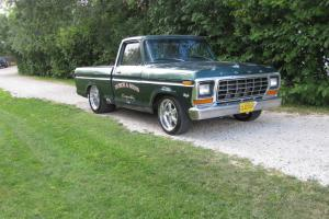 Ford: F-100 Short Bed