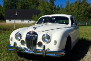 Jaguar: Other sedan Photo