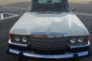 1975 Mercedes-Benz 200-Series