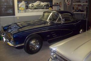 Chevrolet: Corvette Roadster
