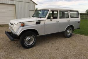 Toyota: Land Cruiser Base Photo
