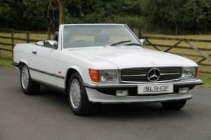 Mercedes-Benz R107 300 SL (1988) Arctic White with Blue MB Tex