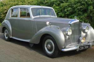 1952 BENTLEY R TYPE MANUAL Sports Saloon Photo